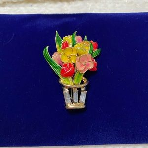 Napier Flower Pot Brooch 💐